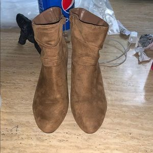 Aerosoles ankles boots